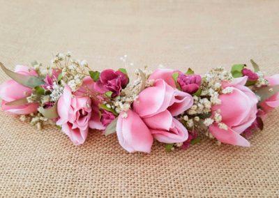 Prendido novia flores rosas y  paniculata