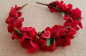 Diadema hortensias rojas