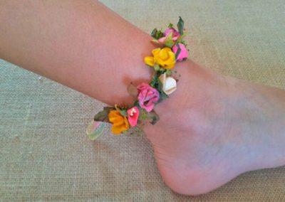 Pulsera-tobillera de flores