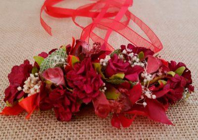 Prendido flores rojo