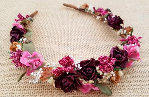Diadema flores granate y cámel