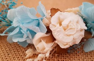 Corona hortensias azules