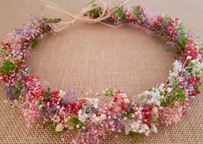 Corona flores secas rosas y granates