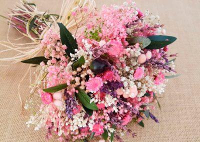 Ramo novia olivo con flores rosas y lavanda