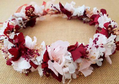 Corona hortensias rosa y granate