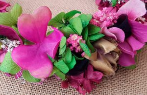 Diadema hotensias rosas y verdes